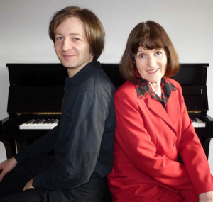 """Johanna Arndt und Tobias Schneegans mit ihrem Programm """"Dass man es nie vergisst, dass Leben alles ist"""""""
